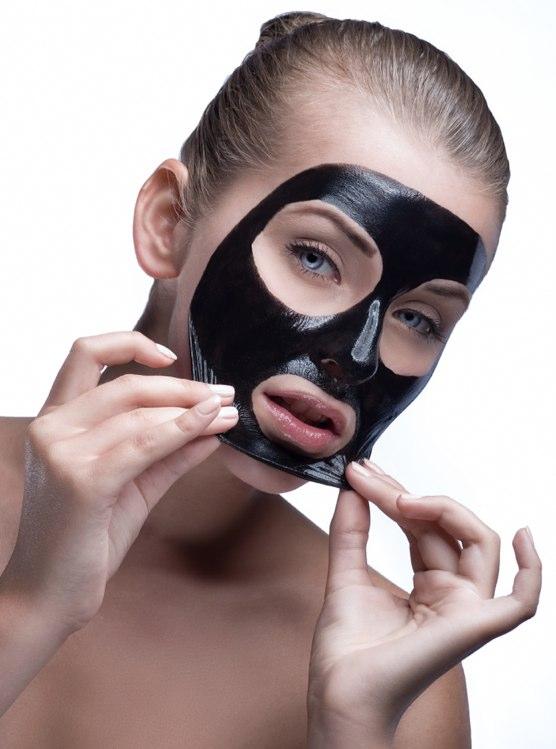svart maske fjerner kviser